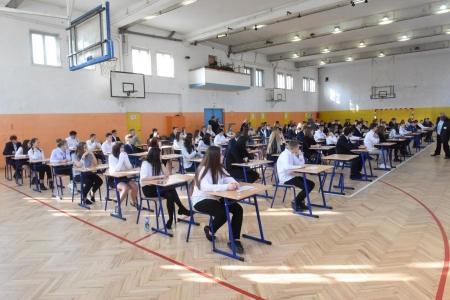 Harmonogram egzaminu kl.8