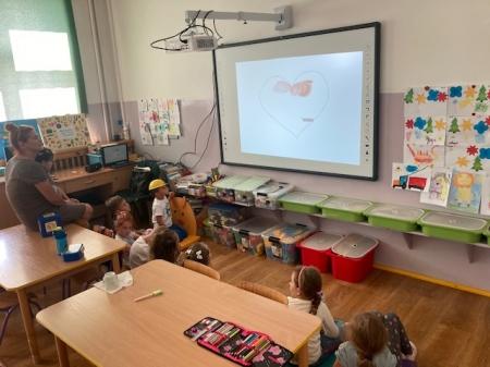 Tablica interaktywna w oddziale przedszkolnym Szkoły Podstawowej im. UNICEF w Imbramowicach